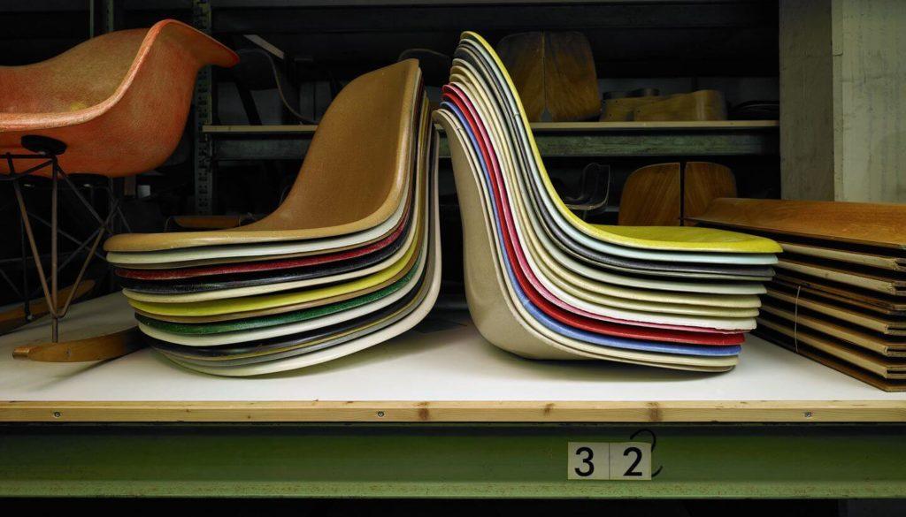 DQarquitectura muebles antiguos que parecen modernos silla eames resina de poliester.