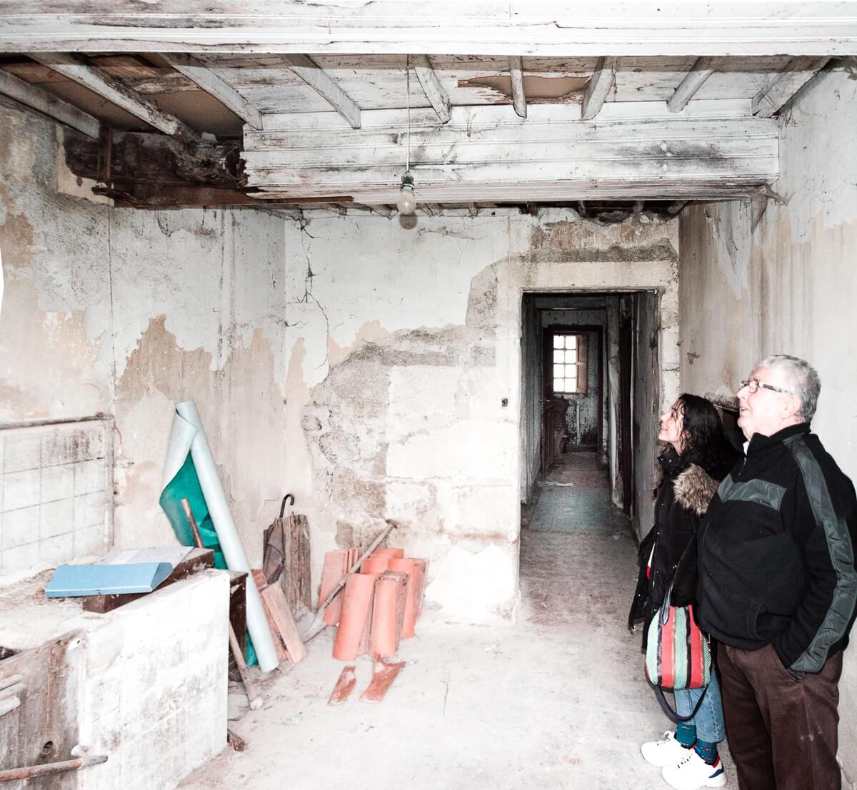 Rehabilitacion de casa de piedra, vista de antigua cocina